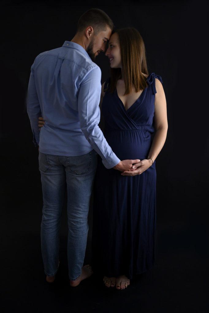 couple femme enceinte grossesse photographe grossesse maternité femme enceinte Houilles Yvelines la Défense
